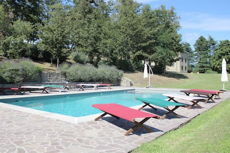 Beautiful Villa near Florence, 10 bedrooms 20+6pax - Barberino di Mugello - Villa