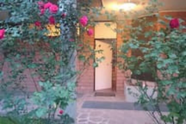 Un nido nel verde - Modena - Wikt i opierunek