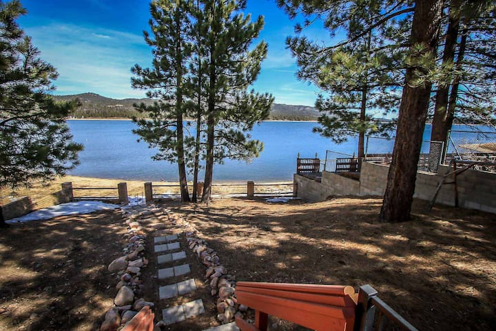 Bear Lake Mountain Cabin~Outdoor Spa~Lake View Deck~Central Heat~Fireplace~WiFi~ - Lac Big Bear - Maison