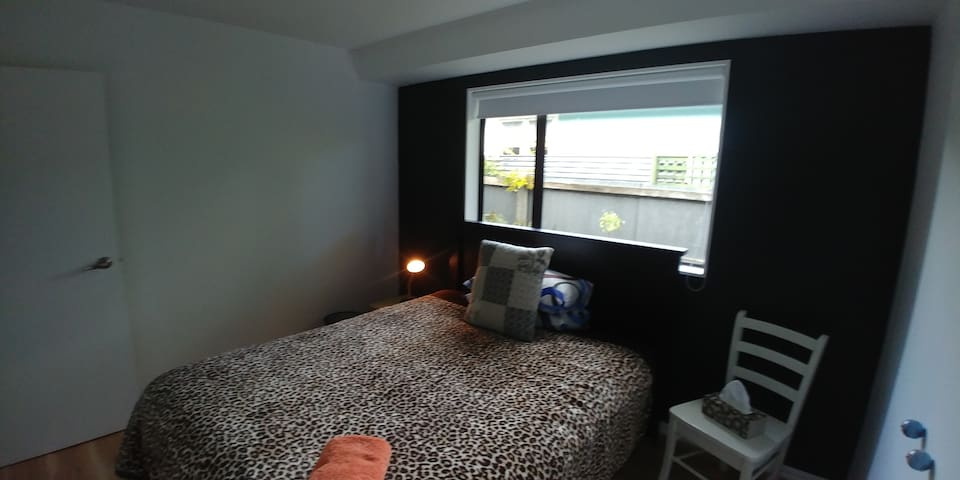 Double room near the beach in North New Brighton