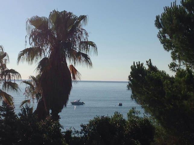 Beach House - Capo Bruzzano - Bianco