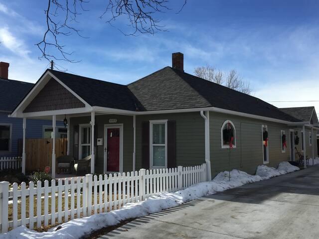 Remodeled historic cottage in Downtown Littleton - Littleton