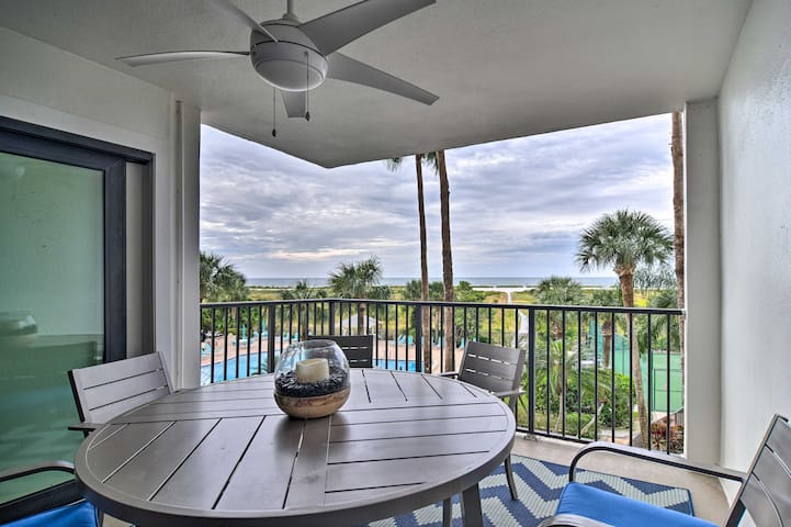NEW! Waterfront Resort Condo w/ Beach + Pool Views
