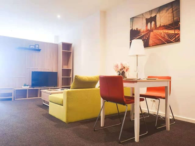 Modern Studio Apartment in Adelaide CBD