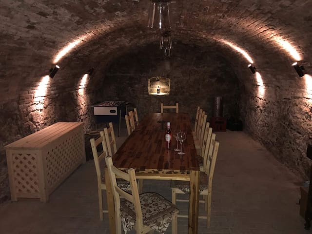 Apartment with wine cellar