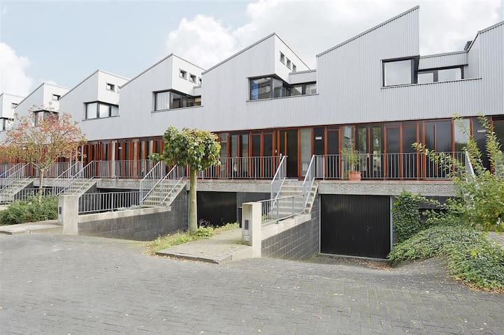 Stadsvilla in het centrum van Tilburg