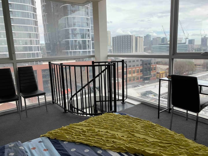 Mordern one bedroom loft at the city edge