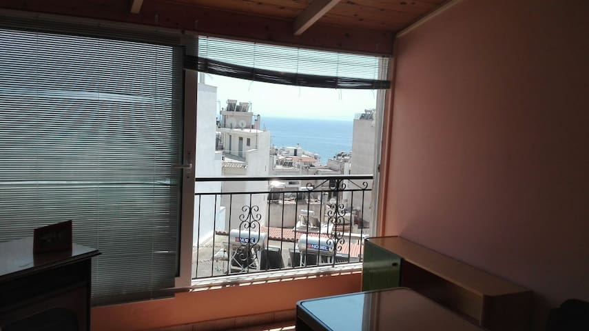 Comfortable studio in Piraeus near the seaside!