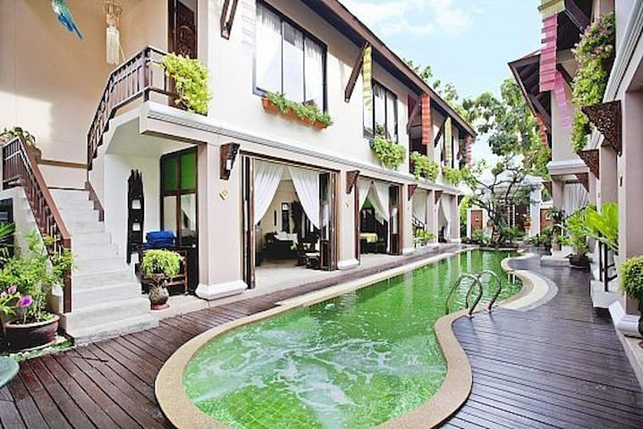 Devara Pool Villa / 8 bedrooms / Private pool