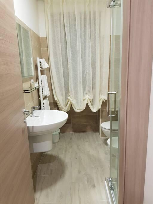 bagno stanza 1