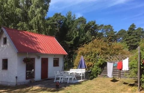 Mysig stuga nära Visby