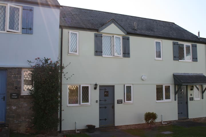 Ploughmans Cottage, Nr Tenby, shared indoor pool - Saint Florence - Maison