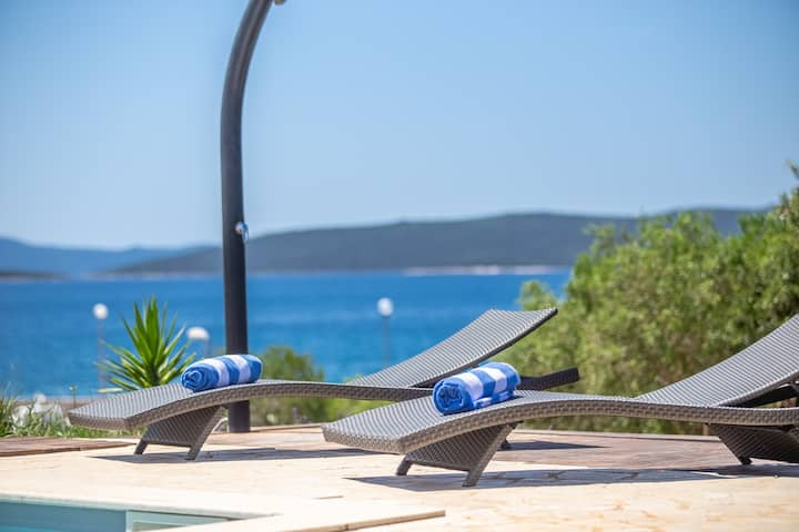 Villa Gellia, Croatia Luxury Rent