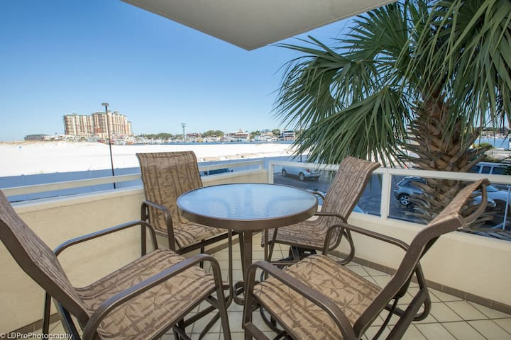 East Pass Towers 107 is a  2 BR with Harbor Views - Great Rates