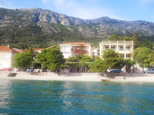 Vila-apartments Stipic,sea&beach apart.2+1 persons