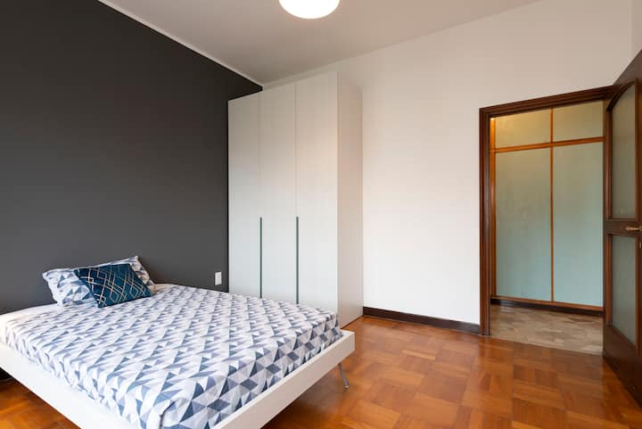 Spacious private room - Area Bocconi