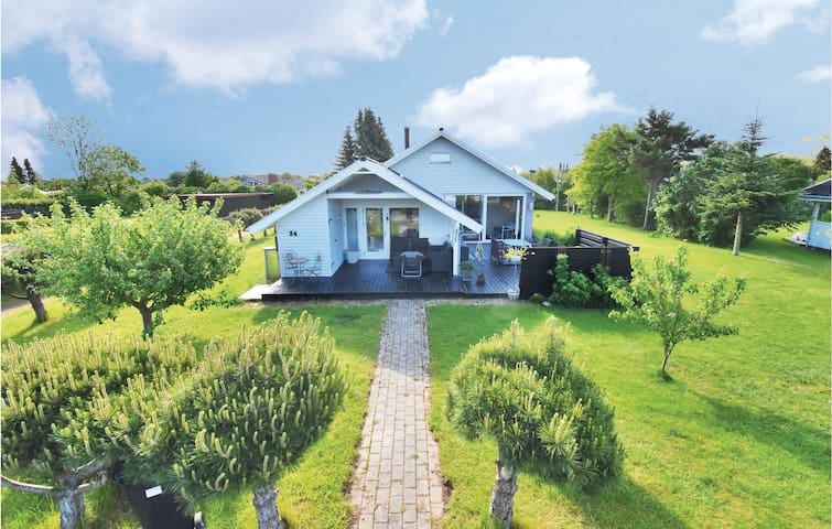 Holiday cottage with 3 bedrooms on 103m² in Otterup
