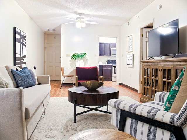 1 Bed/1 Bath- Midtown- Overton Square/Beale St 904