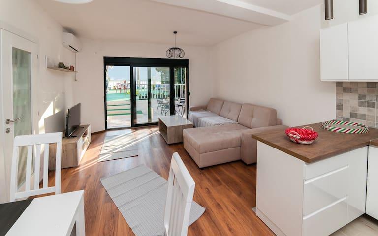 Apartment Dunja Boka Bay