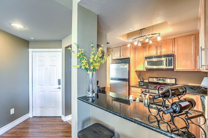 ✩✩Beautiful 2 bed/2bath Luxury Condo Living✩✩