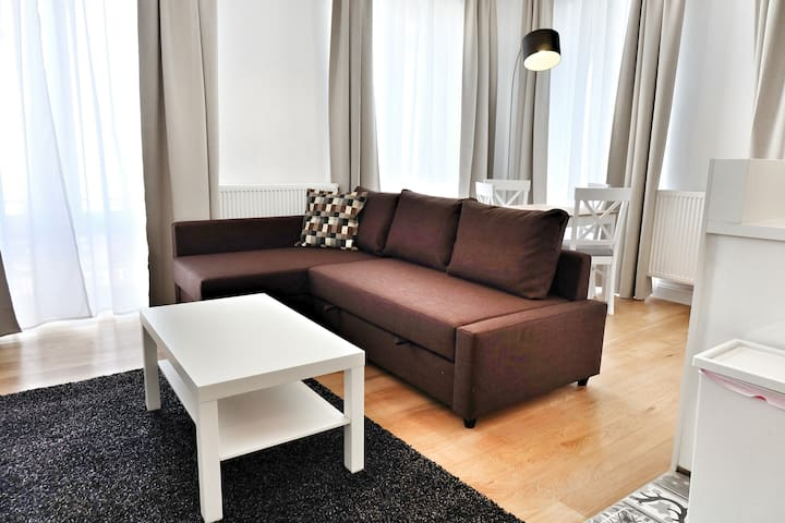 Top Spot 1Bedroom Flat, Blvd. Anspach, 53 sqm.