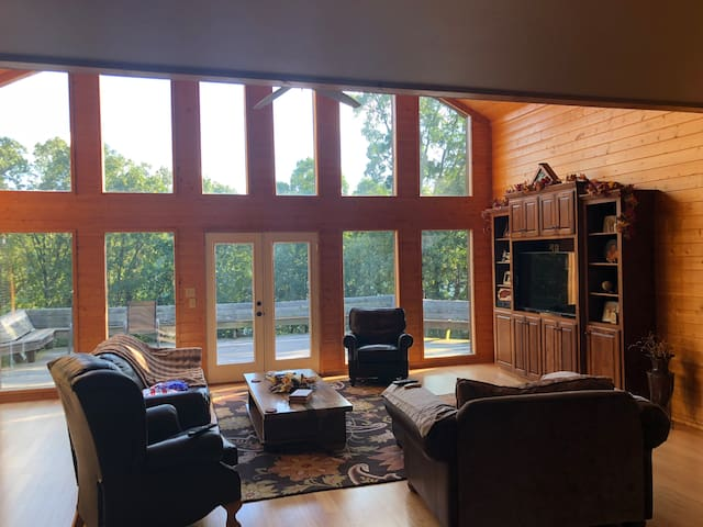 Greers Ferry Lake Front Home