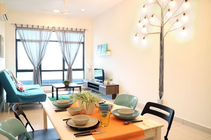 Cozy home at Kuala Lumpur 4-5 pax, 350m from MRT