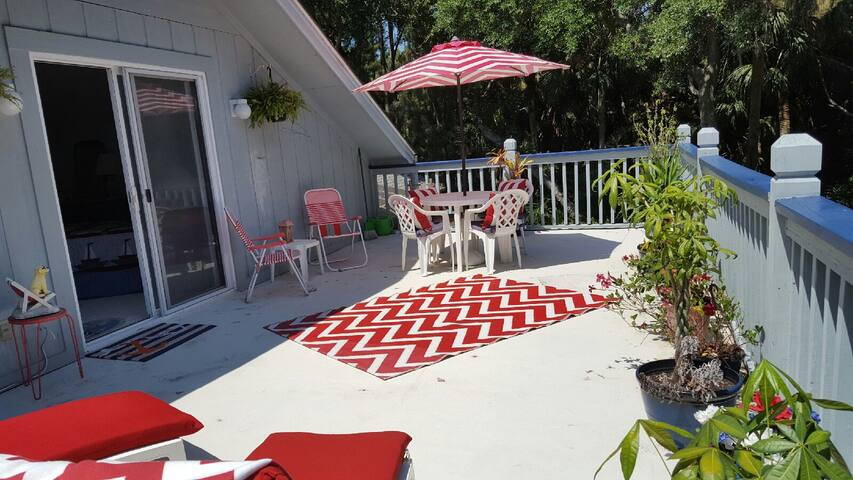 The 4th Green Studio w/ Private Deck, Golf Views - Fripp Island - Hus