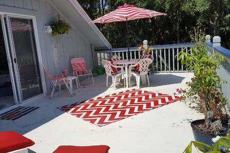 The 4th Green Studio w/ Private Deck, Golf Views - Fripp Island