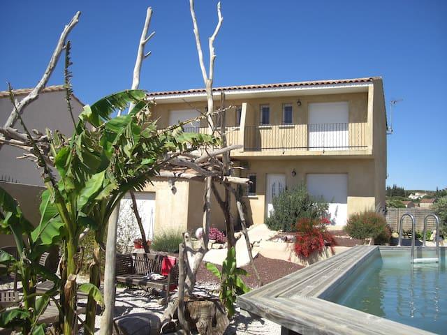 Villa 5 suites parentales avec Jacuzzi et Piscine