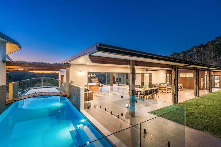 Luxurious, brand new 4 bed house with 20m lap pool
