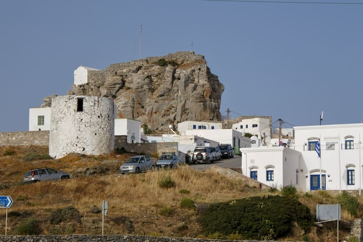 Amorgos Chora stone made house for 5
