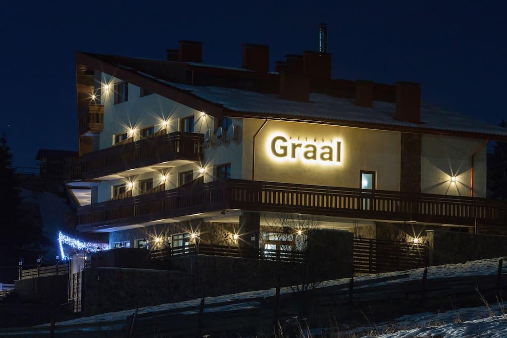 """Hotel """"Graal Resort"""" Bukovel"""