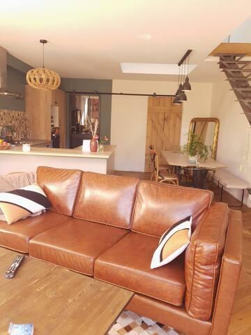 Charmant petit loft 72 m2 avec jardin  atypique