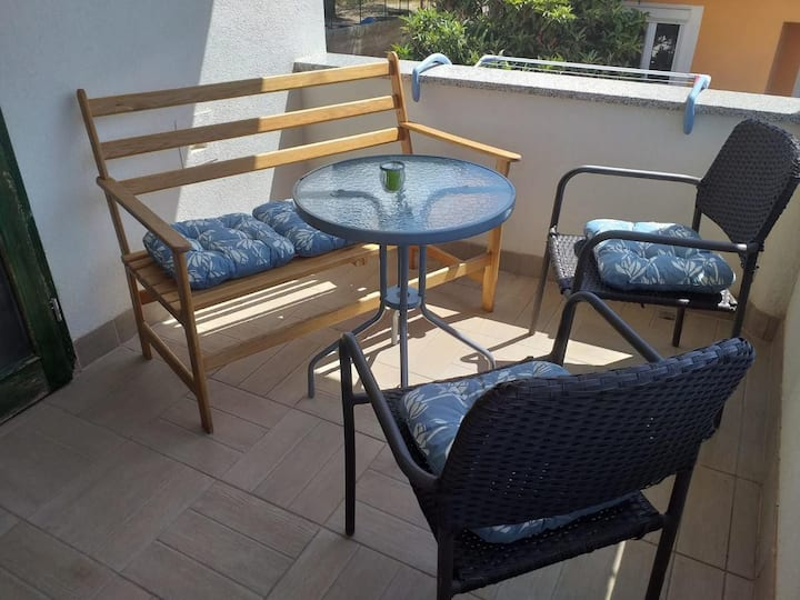One bedroom apartment with terrace Primošten (A-17696-b)
