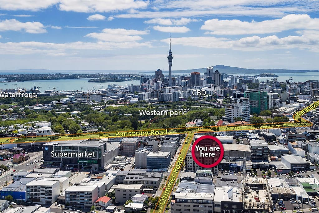 The apartment is located just next to Ponsonby Road and is in walking distance to CBD and Auckland waterfront