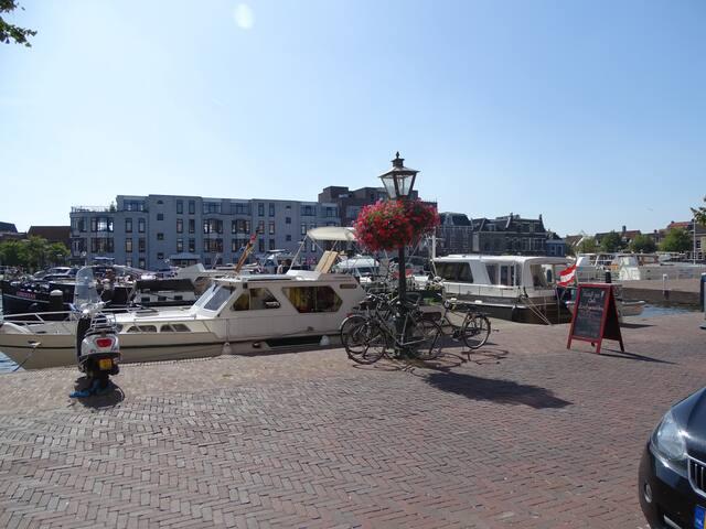 Gemoderniseerd appartement aan de Leidse haven