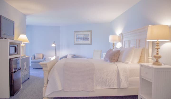 Sheepscot Harbour Village Resort - Inn Room 309