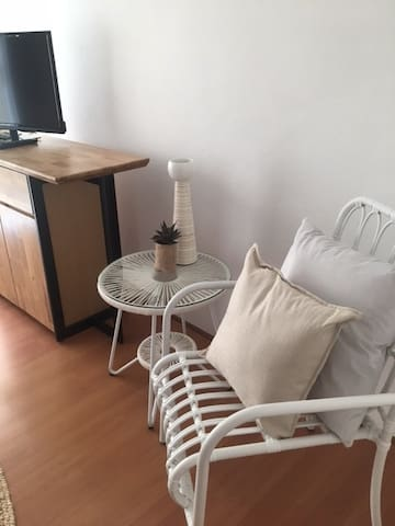 Cosy clean 2BR, close to North Wollongong beach - North Wollongong - Apartment