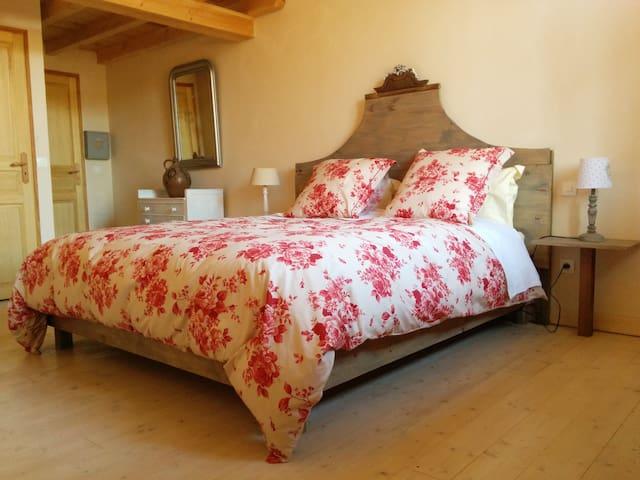 Chambre d'hôte de Laurette - Les milles roses - Bertrambois - Pension