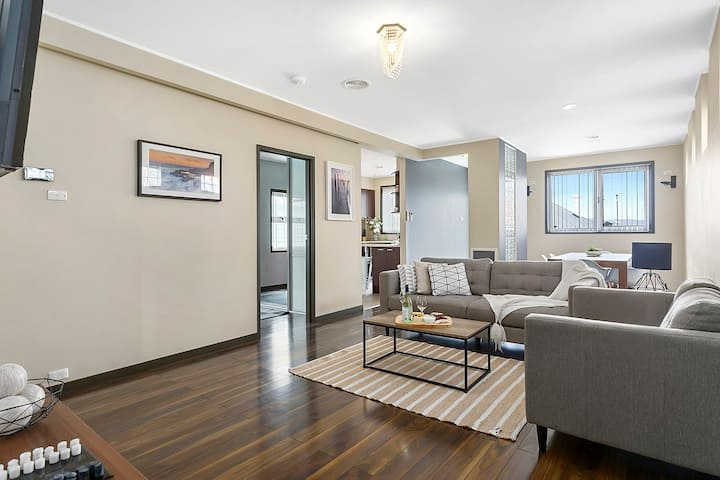 West Hobart House - Perfect for families