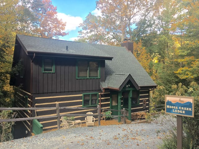 JUST LISTED - Luxurious Moose Creek Lodge - Seven Devils