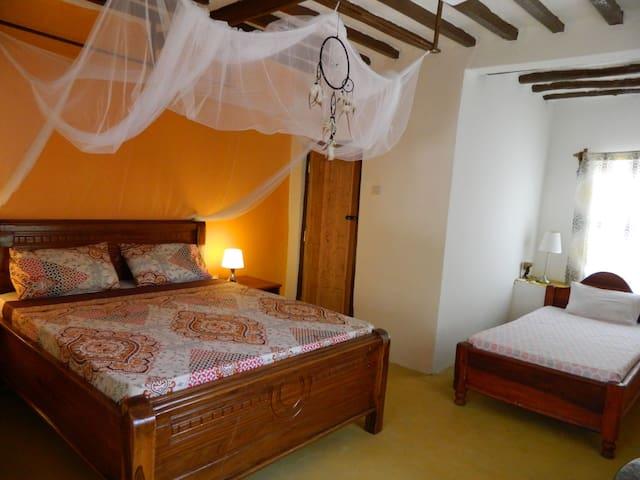 Karma Lodge family room kizimkazi