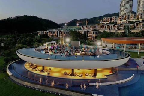 惠州市惠东巽寮湾.九铭屿海超美UFO泳池,高层看海