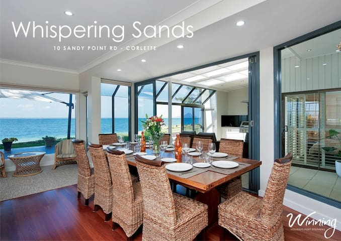 Whispering Sands - Corlette - Rumah