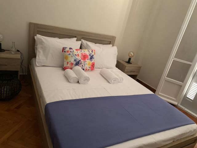 Elegance apartment 500 away from Patisia station
