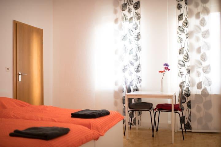 Zimmer N1/2 über den Dächern Stuttgarts