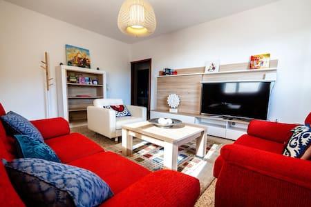 Casa Luján: bonitos interiores modernos y vistas.