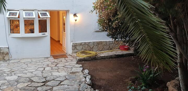 Casita con jardín en Palmanova