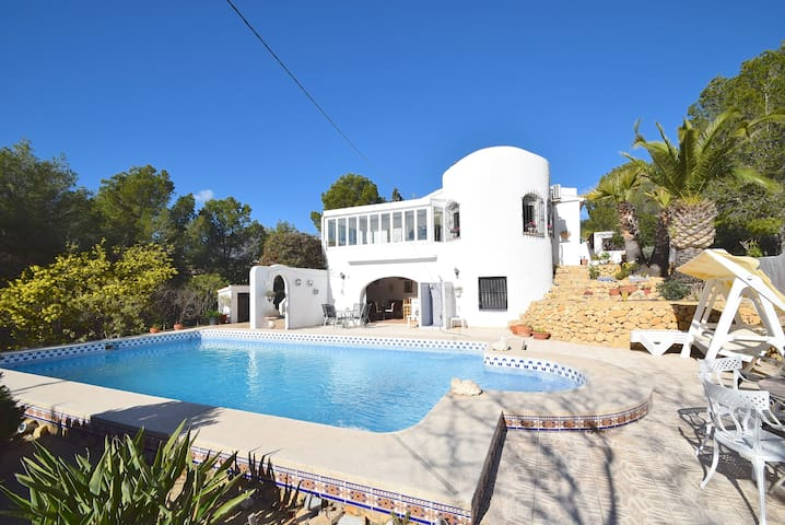Magnificent family villa in Alfaz del Pi